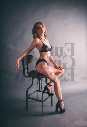 Marie-alexia erotic massage & escort girl