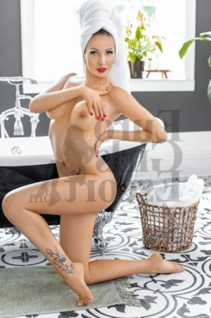 Nallya tranny escorts & happy ending massage