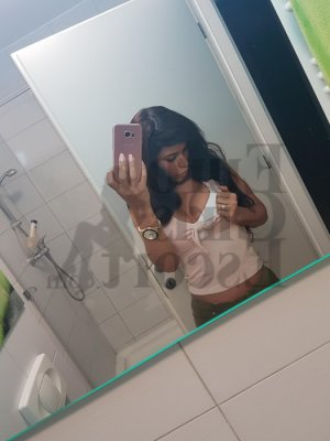 Estella escort in Leander and tantra massage
