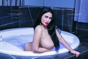 Agnies escort girl in Marshall Texas, tantra massage